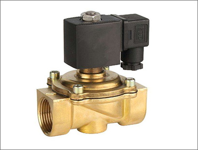 Powerful open solenoid valve and three-way solenoid valve